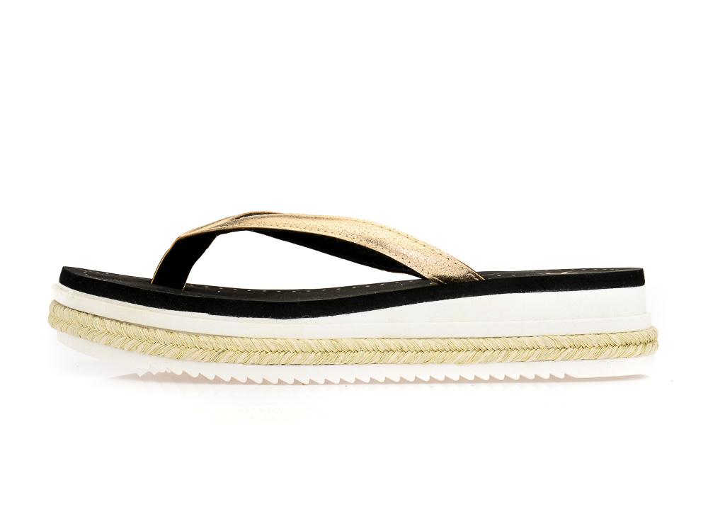 Γυναικείες καλοκαιρινές παντόφλες πλατφόρμες PAREX 11817079 GOLD ... 0f795b9e639